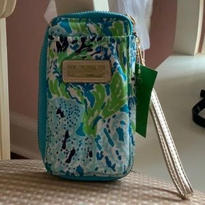 Lilly Pulitzer Wristlet Wallet- FREE luggage tag!